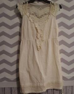 3/$15⚡NWOT dELiA*s Juniors Creme Dress